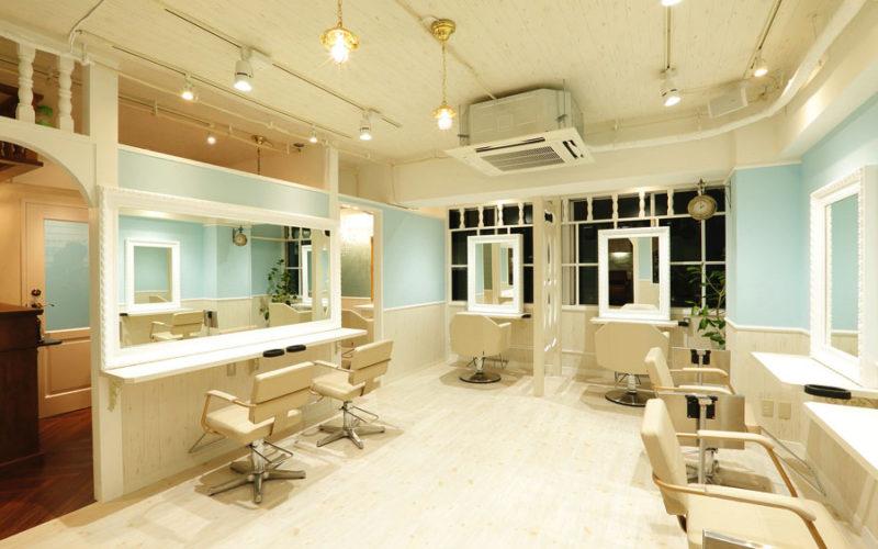 美容室内装画像 アンティーク ナチュラル