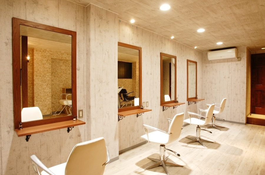 美容室内装画像 フレンチ アンティーク