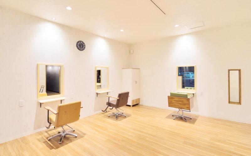 美容室内装画像 キッズスペース ナチュラル シンプル